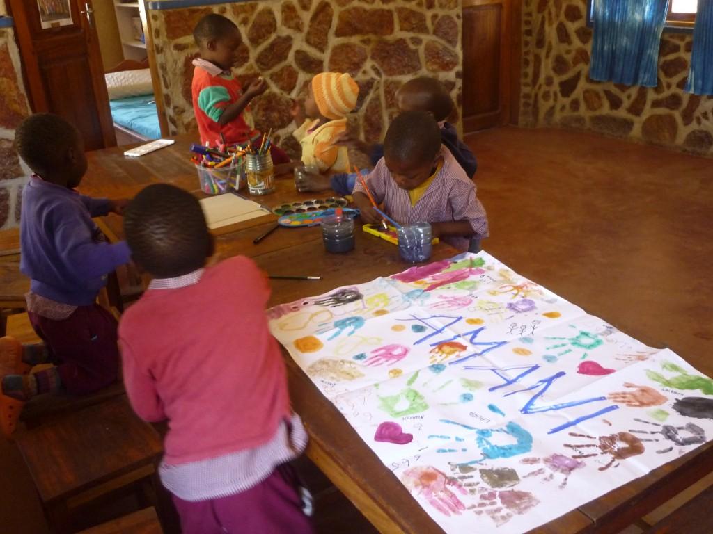 """""""Meine"""" Kindergartenkinder beim Malen."""