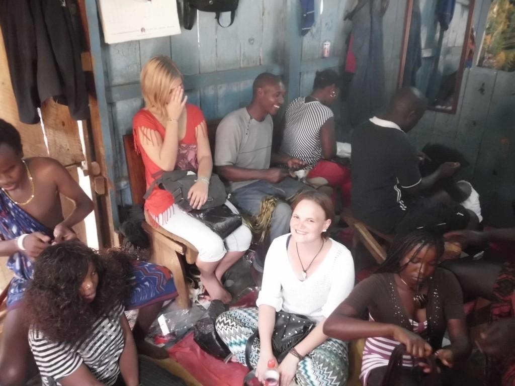 Die Holzhütte der Frisier-Maasais (vor der Veränderung)